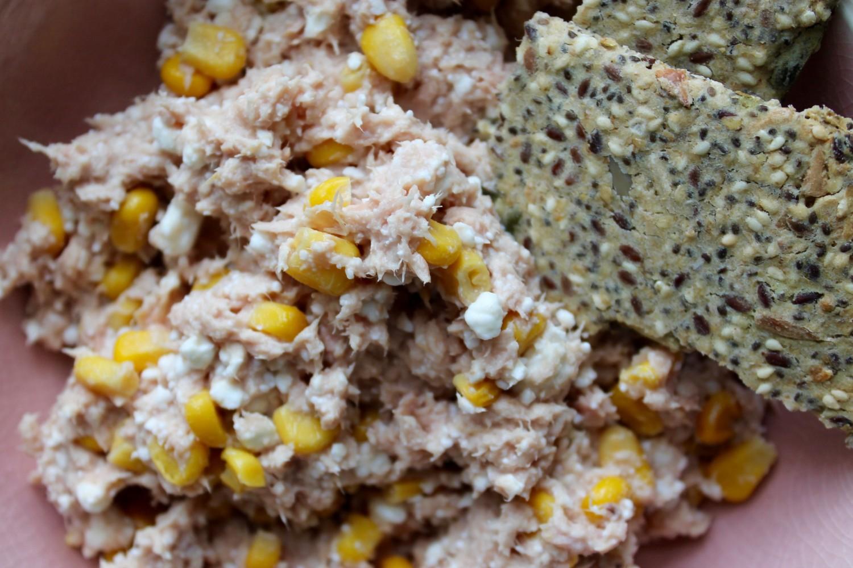 tunsalat med hytteost og feat