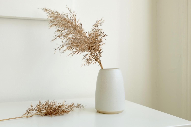 lov-i-listed-ceramic-vase-kadeau