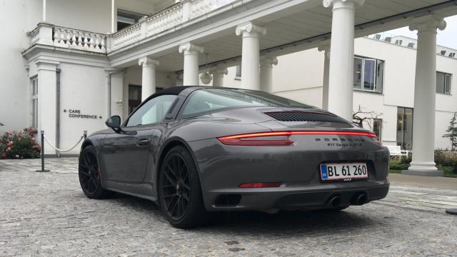 Porsche 911 Targa 4 GTS_1