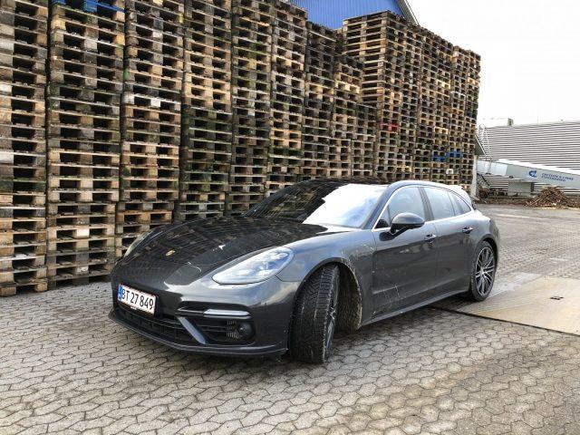 Porsche Panamera Turbo Sport Turismo_11