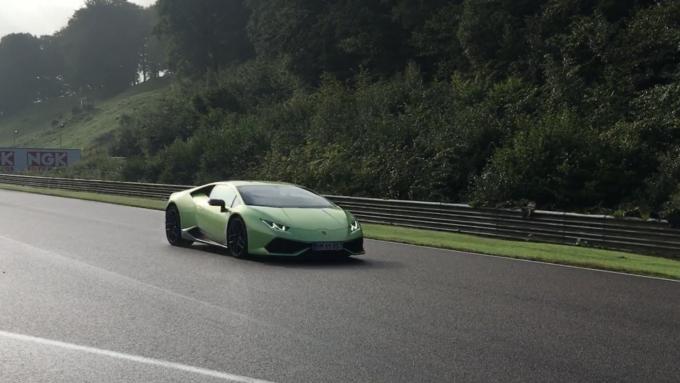 Lamborghini Huracán Coupé on track