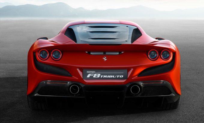 Ferrari F8 Tributo med ligheder til F40