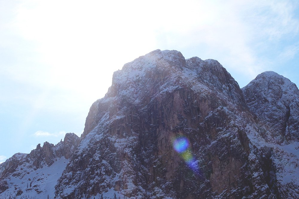 REJSER - om bjergtinder og rygeheroin