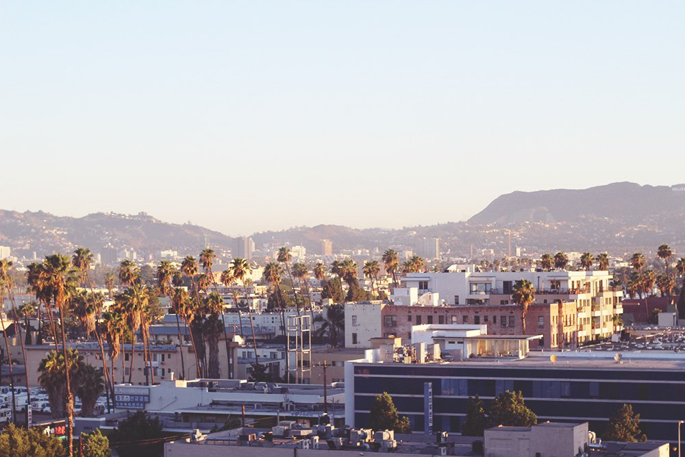The-Line-boutique-hotel-los-angeles-view-hollywood-sign