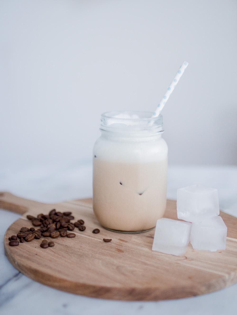 opskrift-nem-cremet-iskaffe-9-of-13