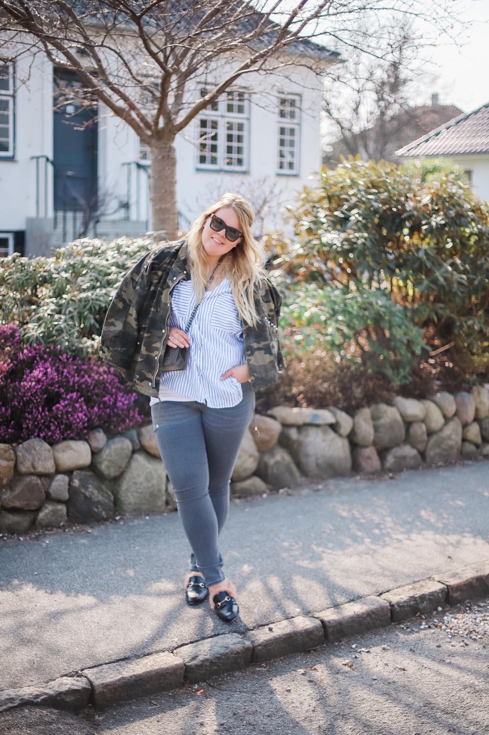 army-jakke-jeans-skjorte-loafers-2-of-5