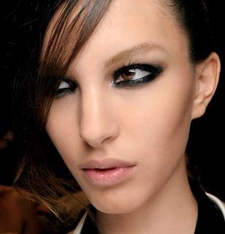 black-eye-liner-1