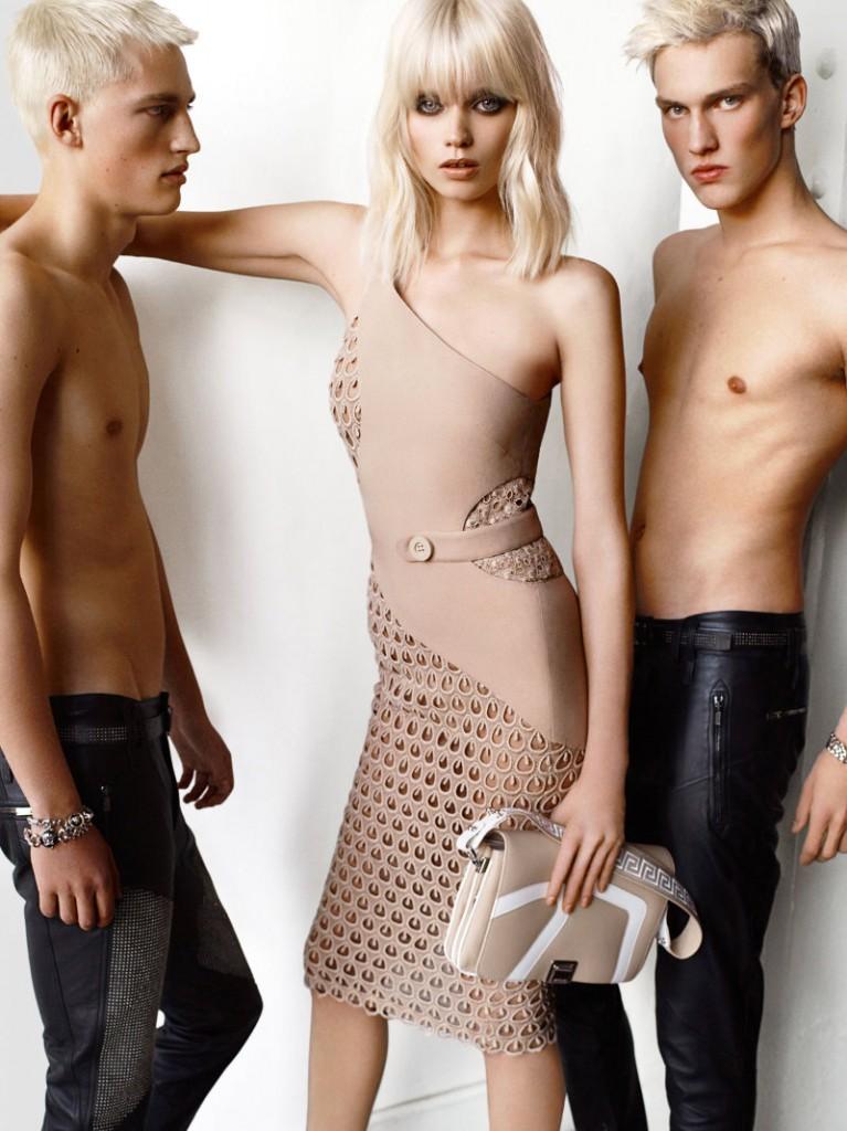 versace-campaign-Versace-Spring-2011-Campaign-Abbey-Lee-Kershaw-by-Mario-Testino-8