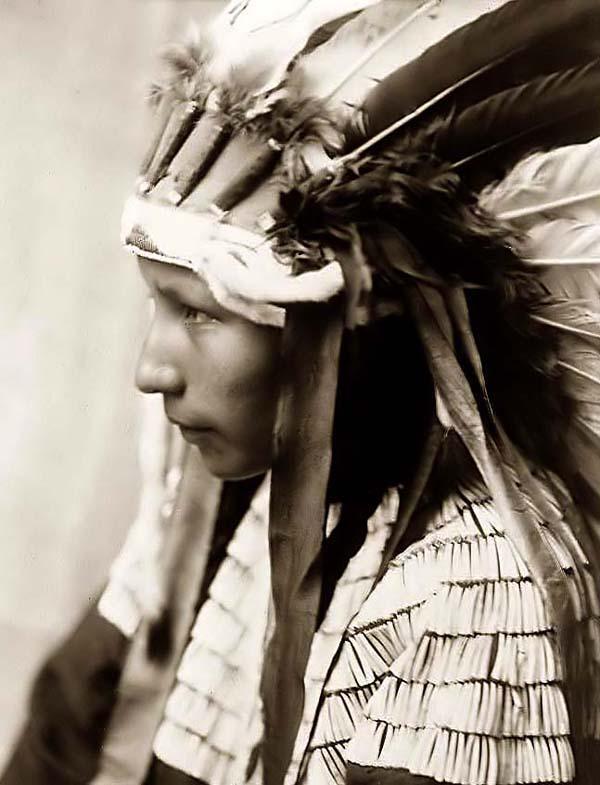 Cheyenne-Girl-feather-headdress