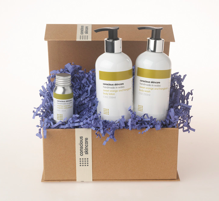 Luxury Organic Body Set in Sweet Orange and Frangipani fragrance. 100% Chemical Free. Organic Skincare - Body. Find it here.