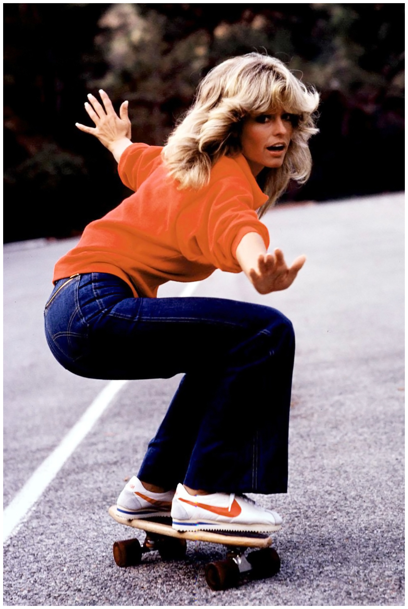 former-charlie_s-angel-farrah-fawcett-wore-her-denim-at-its-youthful-breezy-best-and-made-fitted-flared-jeans-de-rigour-for-all-seventies-girls