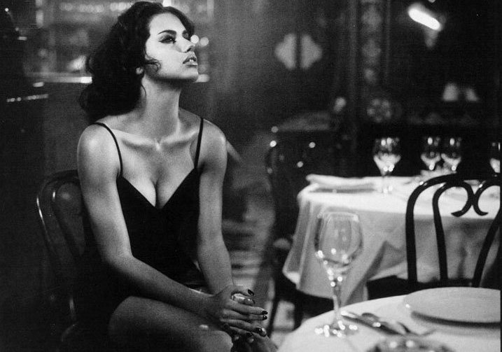 adriana-lima-by-vincent-peters-for-vogue-italia-february-2011h2