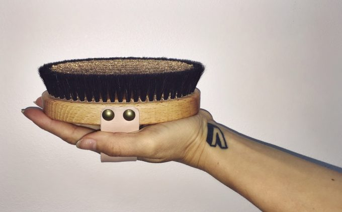 dry-brushing-gives-new-energy-and-makes-you-soft-as-a-baby0