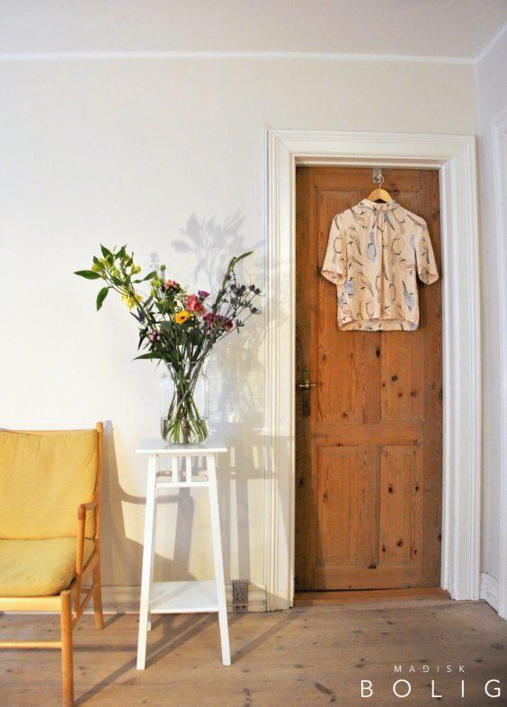 blomsterbuket-bloomon-blomster-marie-kondo-konmari-lys-light-flowers-wanscher-colonial-chair