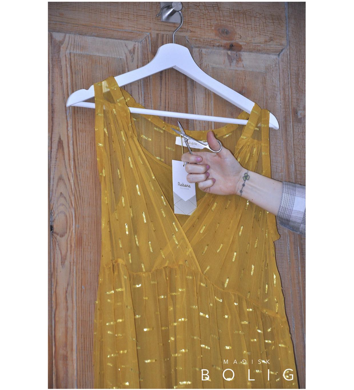 konmari marie kondo oprydning tøjmærker prismærke tag tags oprydning rabens saloner kjole dress golden kjole