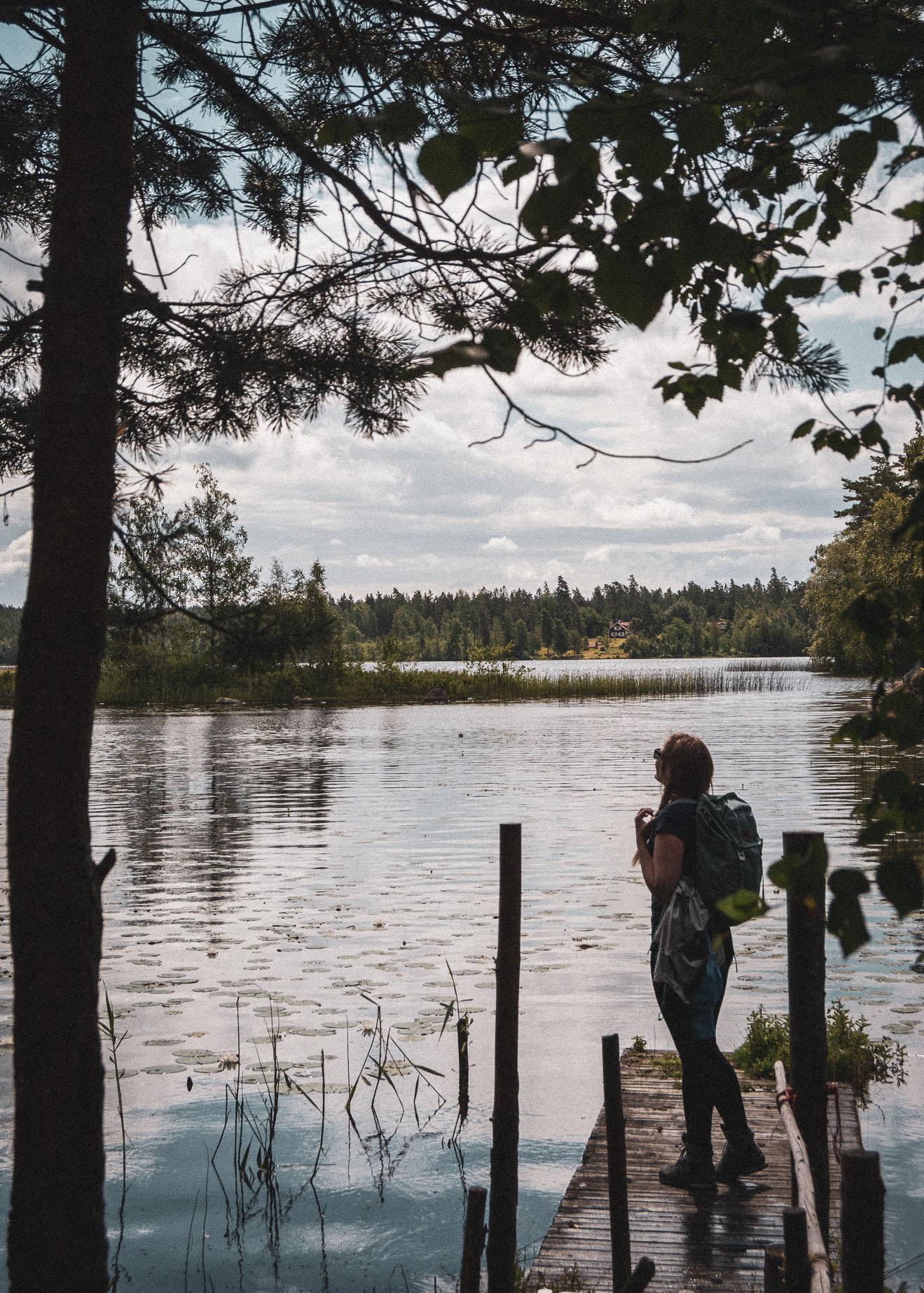 hiking, vandring, stories by holst, sverige, sweden, lakeside, sø