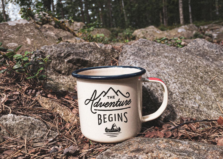 tin cup in landscape, tin kop i landskab