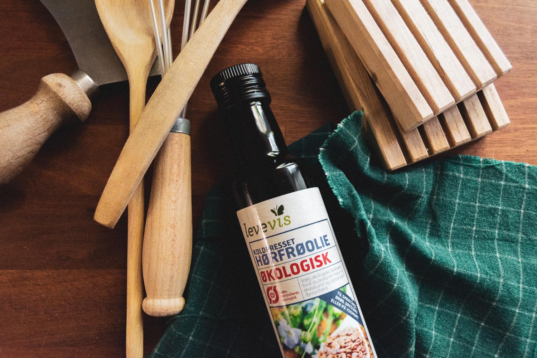 wooden kitchen tools, træredskaber, hørfrøolie, flaxseed oil