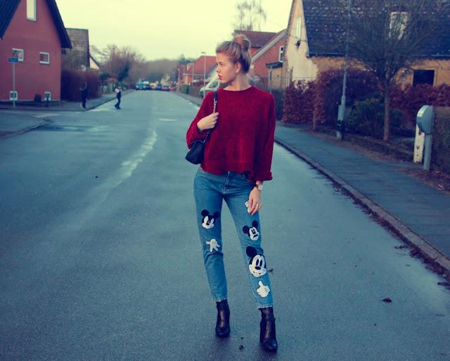 ModernGirldisneypantsredsweater2