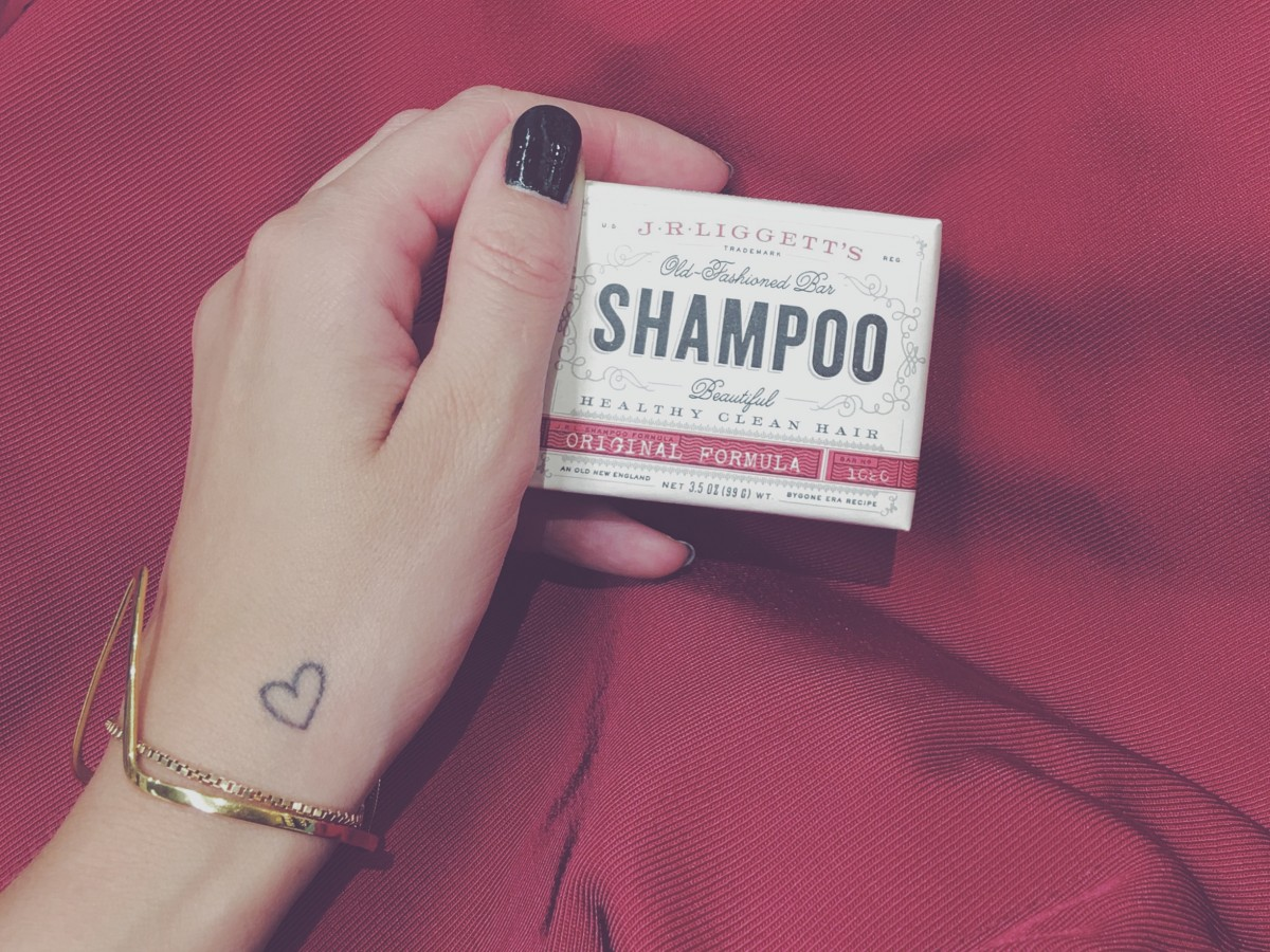 no shampoo, nopoo method, nopoo, noshampoo, no chemicals, natural beauty care, hair care, organic, new york city, rhassoul clay, simply beauty, vegan, raw, costume, budget, cheap, easy, simply fit, zero waste, less waste