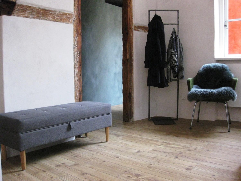 Picture of: Enkelt Entre Mobel Med Opbevaring Interior Chicken And Stilettos