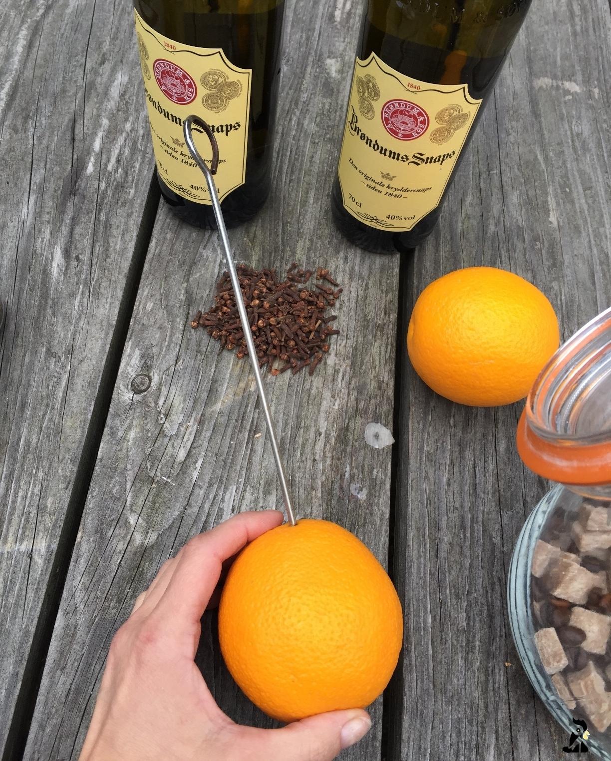 prikkes_hul_i_appelsinen_kryddersnaps