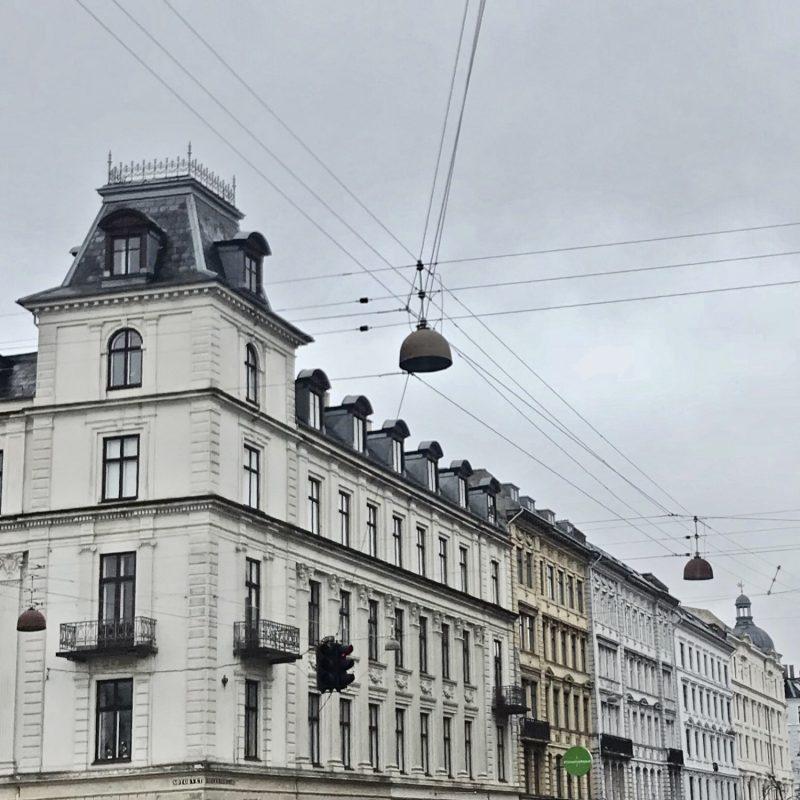 Smukke gråhvide vinter-København- på vej mod første dag i praktik..