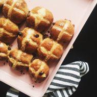 Hot cross buns - friske fra ovnen
