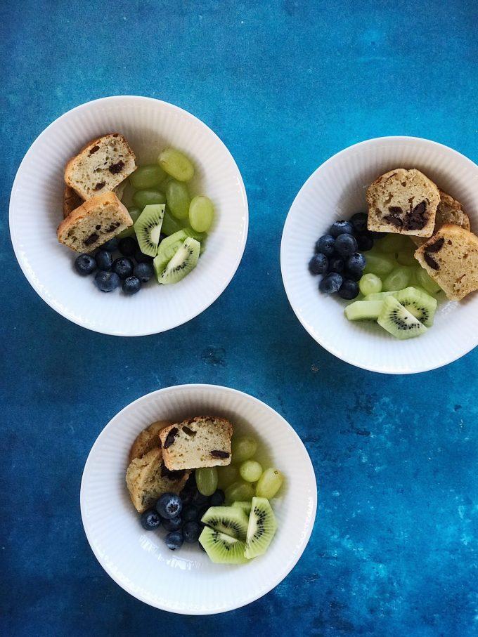 bananbroed-med-castus-frugtstang