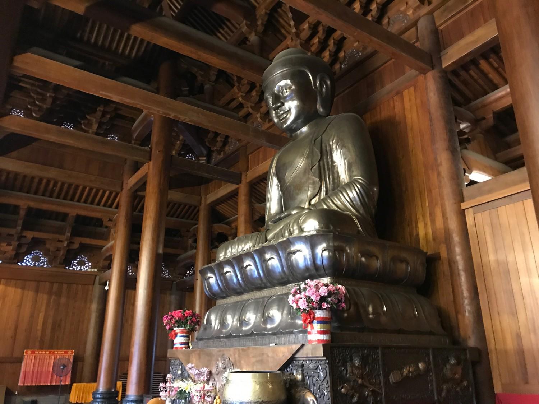 Den klassiske statue af Buddha