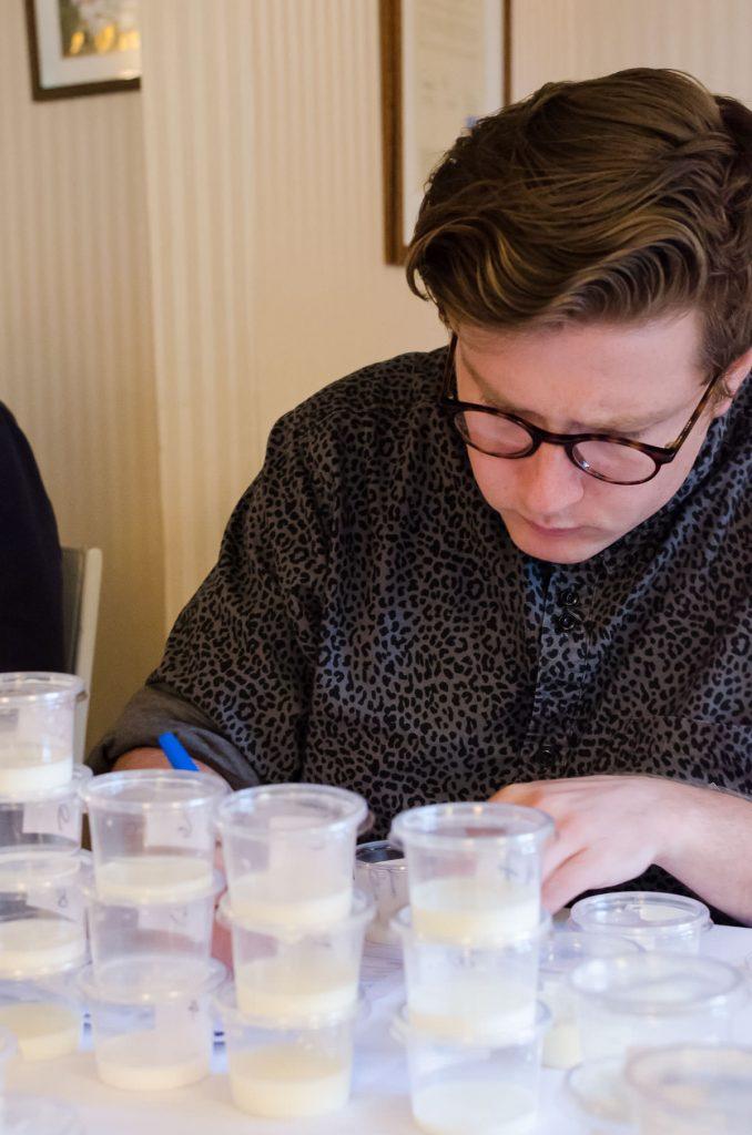 Der blev smagt, tænkt, noteret og vurderet på intet mindre end 12 parametre. Foto: Martin Villumsen / www.rigeligtsmor.dk