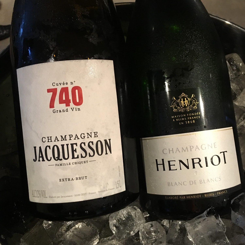 ... i den anledning var der rigelig champagne!