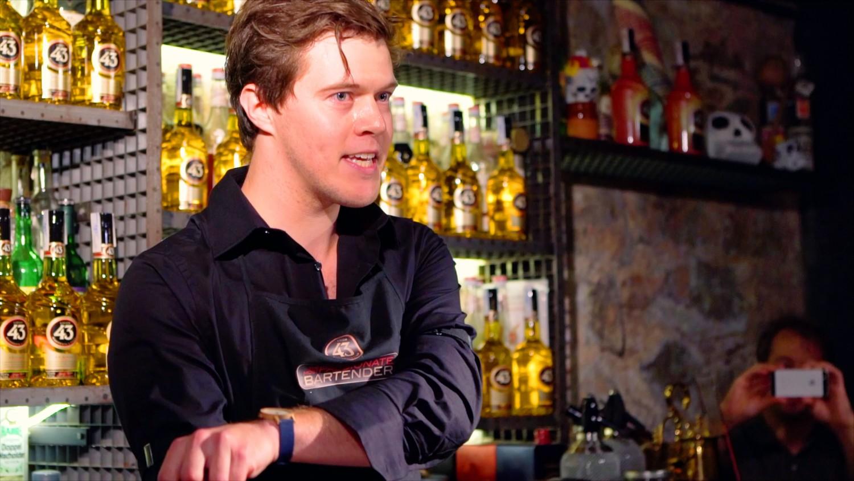 Rasmus Greve: Bartender på MASH, 3. plads-vinder ved World's Most Passionate Bartender og flot fyr