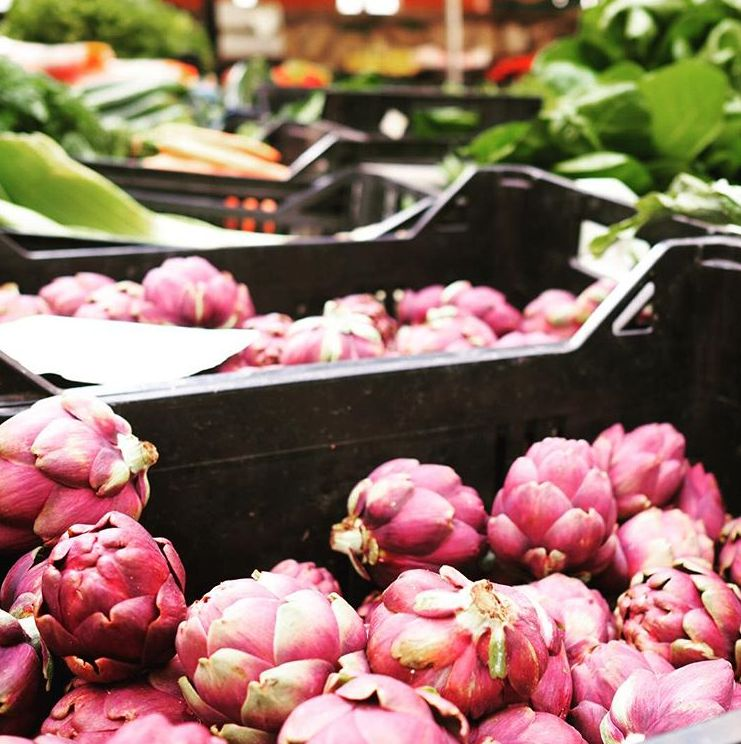 Lækre grøntsager på markedet.