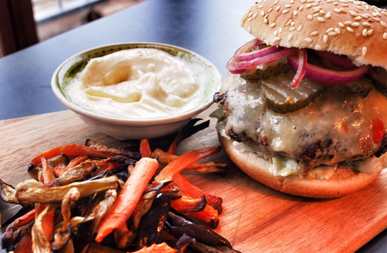 burger-med-snydefritter