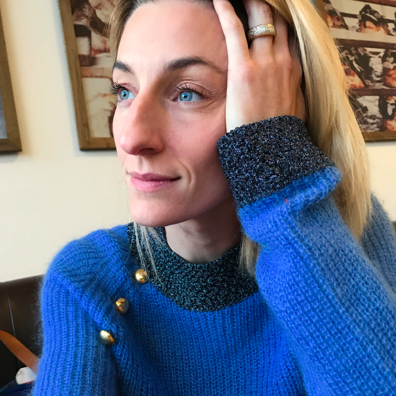 Annemette Voss Blå sweater