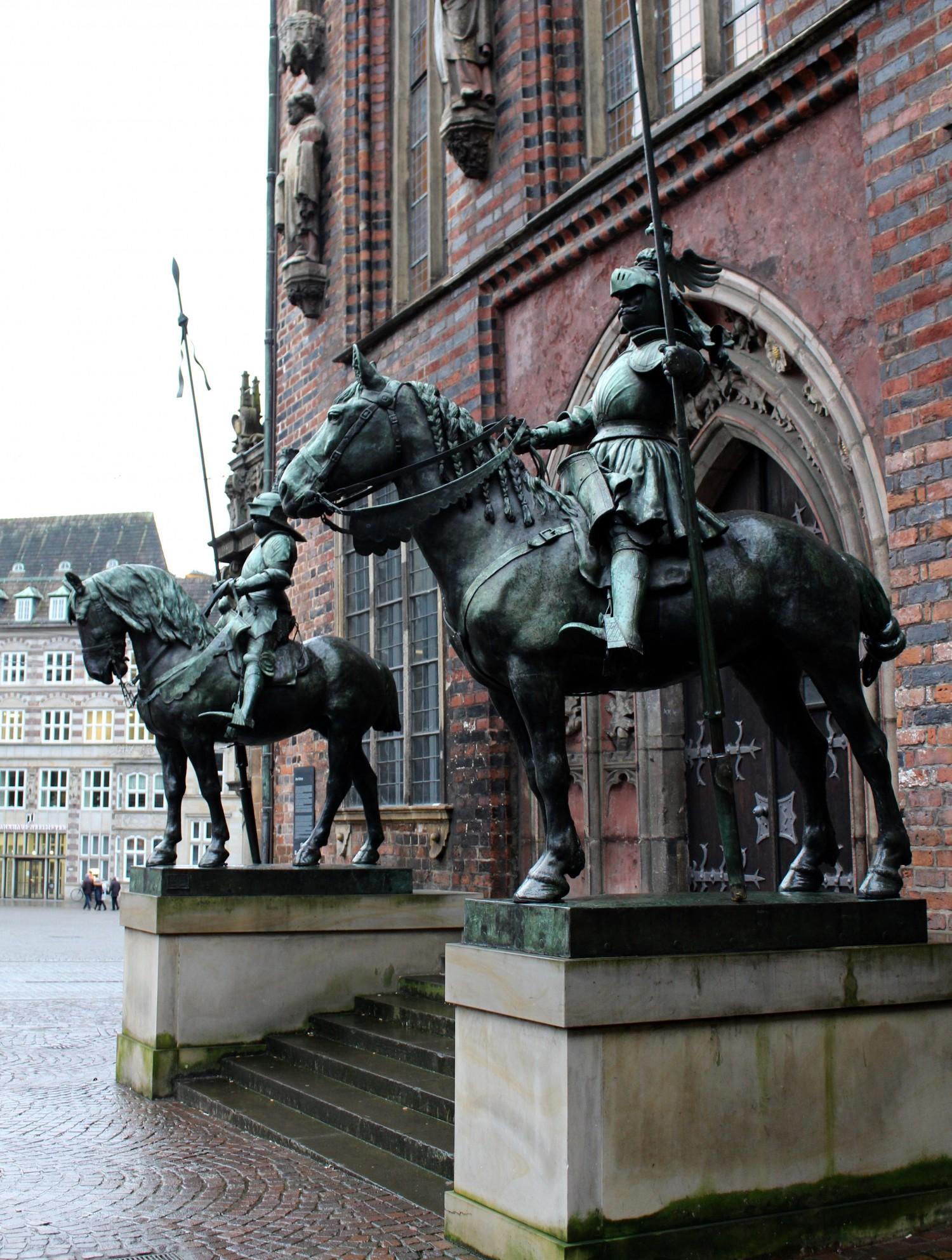 einsmuttur-bremen-statue