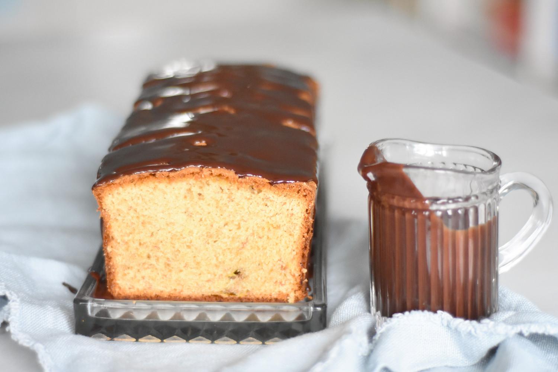 banankage-med-chokoladeovertraek-annemette-voss-3