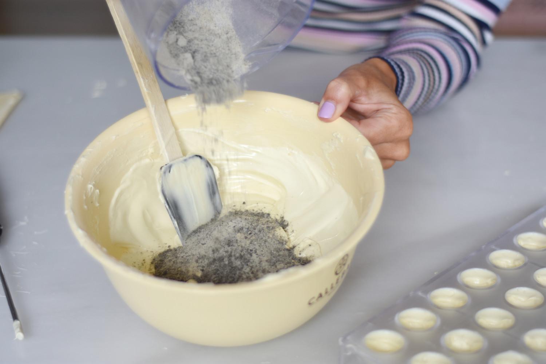 hvid-chokolade-tyrkisk-peber-pistacienodder-annemette-voss-callebaut-10