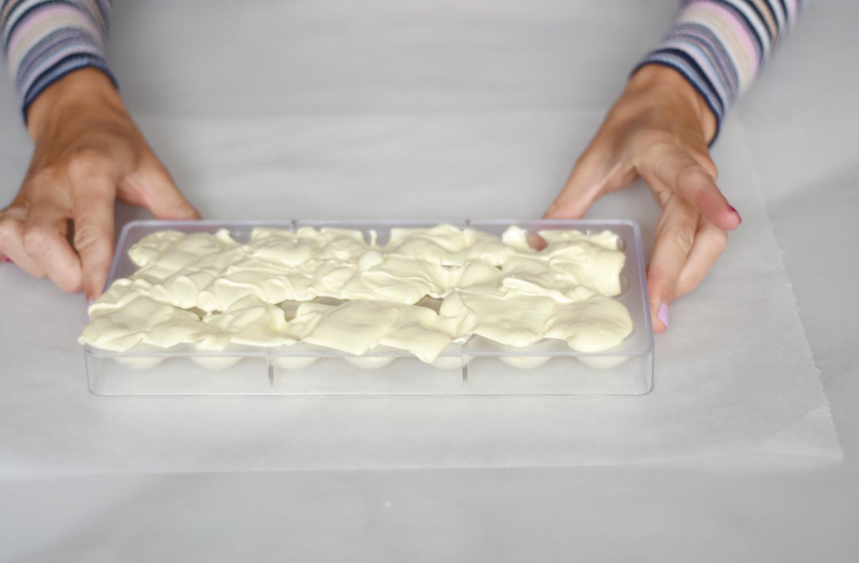 hvid-chokolade-tyrkisk-peber-pistacienodder-annemette-voss-callebaut-2