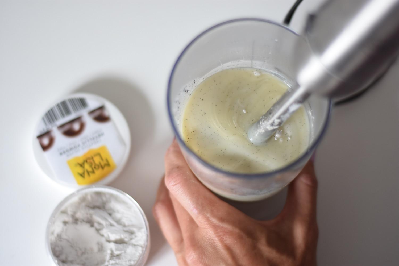 lagkage-med-hvidchokolade-og-hindbaer-annemette-voss-callebaut-16