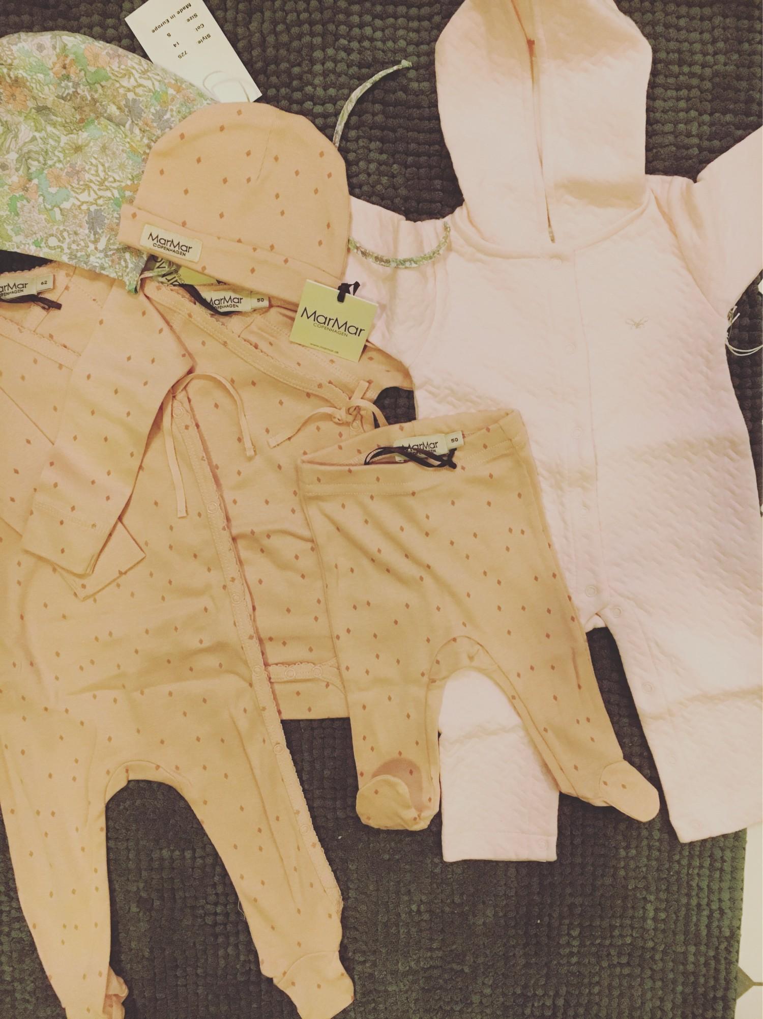 Skønne babydragter fra MarMar og Lively