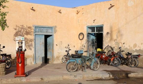 Tunesien_Degueche_knallerter_vaerksted