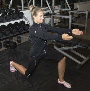Stenalderfitness og dårlige knæ lunge Marina Aagaard blog fitness