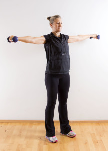 Lateral_raise_2_Marina_Aagaard_fitness_blog