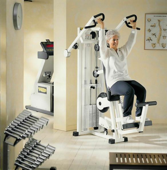 Senior_fitness_styrketraening_Technogym