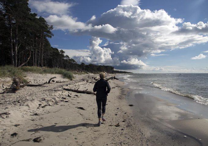 Feriemotion_loeb_paa_stranden_Bornholm_Marina_Aagaard_blog