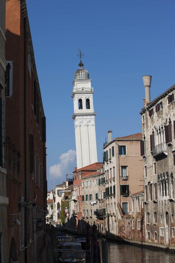 Venedig_Venice_Venezia_Leaning_Belltower