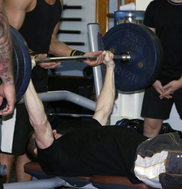 Styrketræning hastighed tempo time under tension TUT Bench_Press_Kim_Lynge