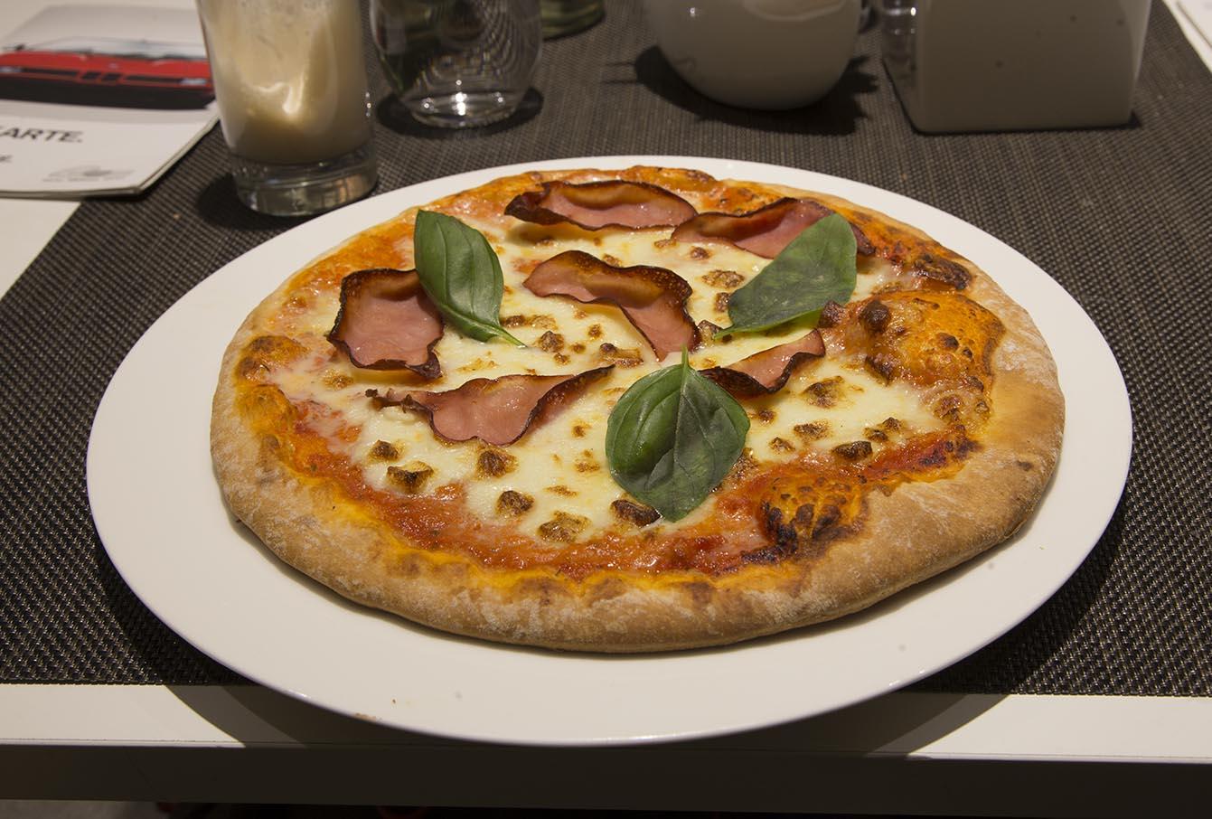 Pizza_BMW_2015_IMG_8042
